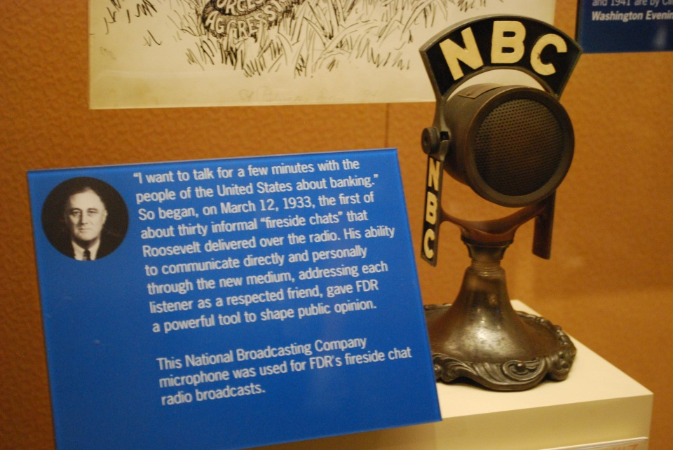 NBC_microphone,_National_Museum_of_American_History